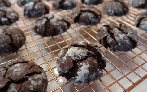 How to Make Chocolate Crinkle Cookies