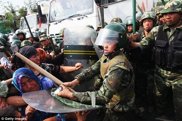 Uighur+Muslims+riot+against++government+in+Xinjiang+region+