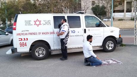 Unity Gifted by the Virus: Muslim and Jewish Paramedics Pray Together