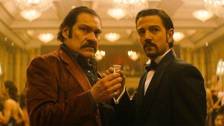 Diego Luna as cartel boss Felix Gallardo under the alias of El Padrino