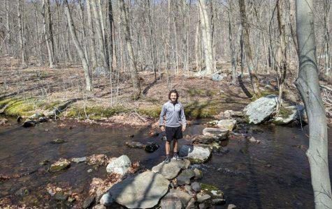 Carmel Ohring ('20) hiking.